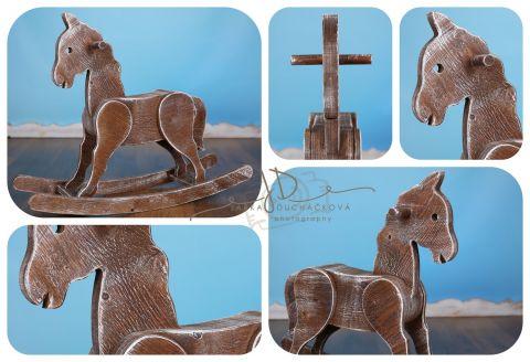 Houpací koník - ořechová patina - NA OBJEDNÁVKU