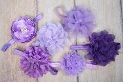 Čelenka pružná zdobená - fialová s velkou květinou