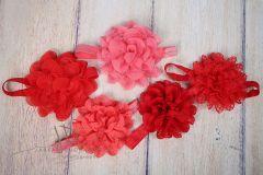 Čelenka pružná zdobená - červená s velkou květinou