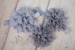 Čelenka pružná zdobená - šedá s velkou květinou