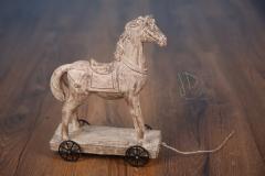 Koník s kolečky polyresin - dekorace