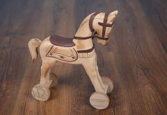Koník na kolečkách větší - hnědé sedlo
