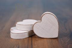 Srdíčko dřevěné - bílá patina