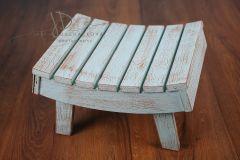 Stolička prohnutá - světle modrá