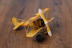 Letadlo plechové žluté
