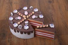 Dort pěnový s výkrojí - čokoládový s fialovým