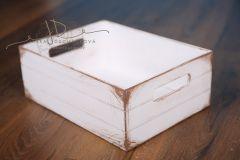 Bedýnka dřevěná s úchyty - bílá patina