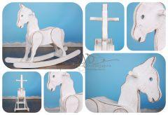 Houpací koník - bílá patina