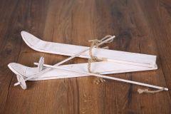 Lyže s hůlkami - bílá patina