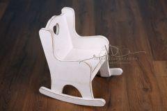 Židlička - křesílko se srdíčkem houpací - bílá