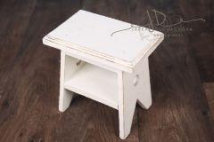 Stolička dřevěná bílá