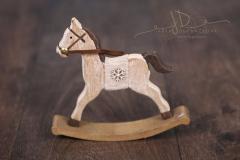 Koník dřevěný houpací s vločkou