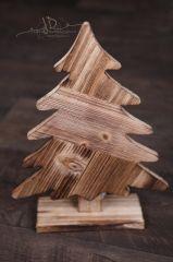 Stromek dřevěný